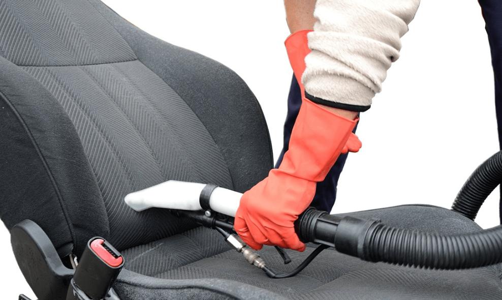 Higienização de bancos de carro